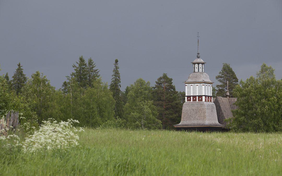 Laadukas opastus ja yleinen siisteys miellyttävät Petäjäveden vanhan kirkon kävijöitä