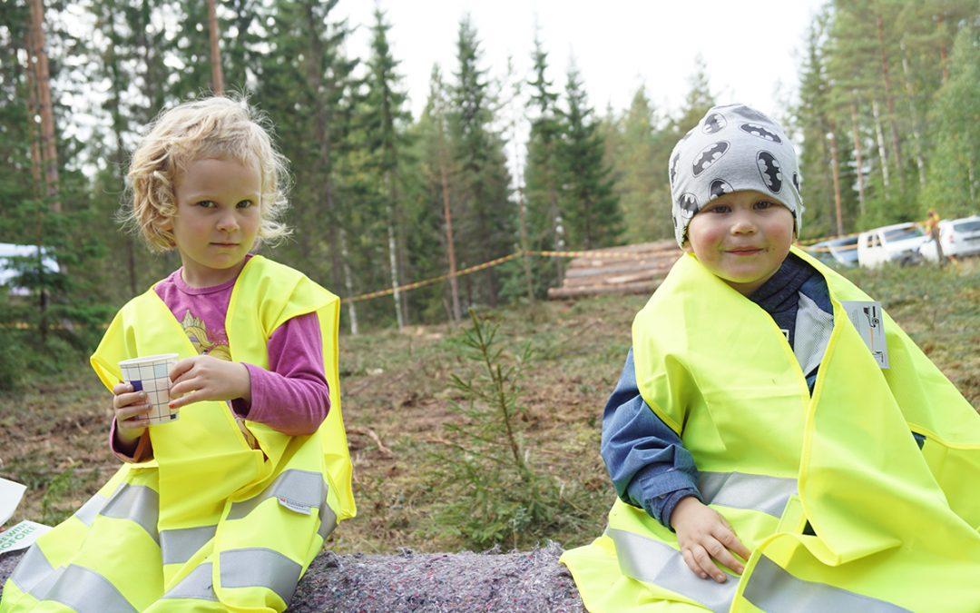 Sadonkorjuu- ja metsäpäivällä tehtiin näkyväksi Petäjäveden luontoa ja elävää maaseutua