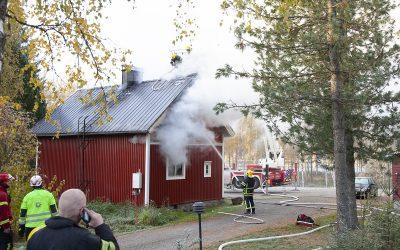 Maanantainen tulipalo sai alkunsa omakotitalon keittiöstä