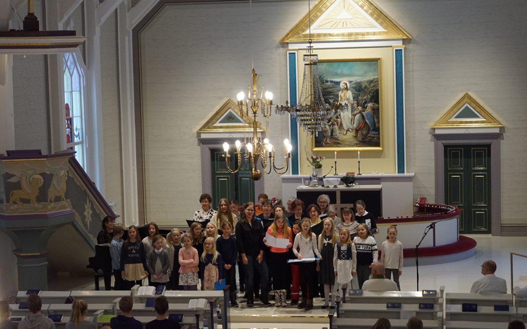 Uuteen loistoon ehostettu kirkko avasi ovensa (Juttu vain tilaajille)