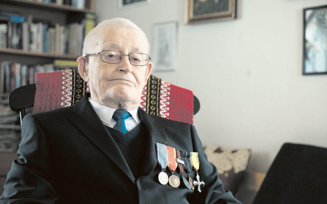 101-vuotiaan sotaveteraani Martti Asunnan elämästä kirja (Juttu vain tilaajille)