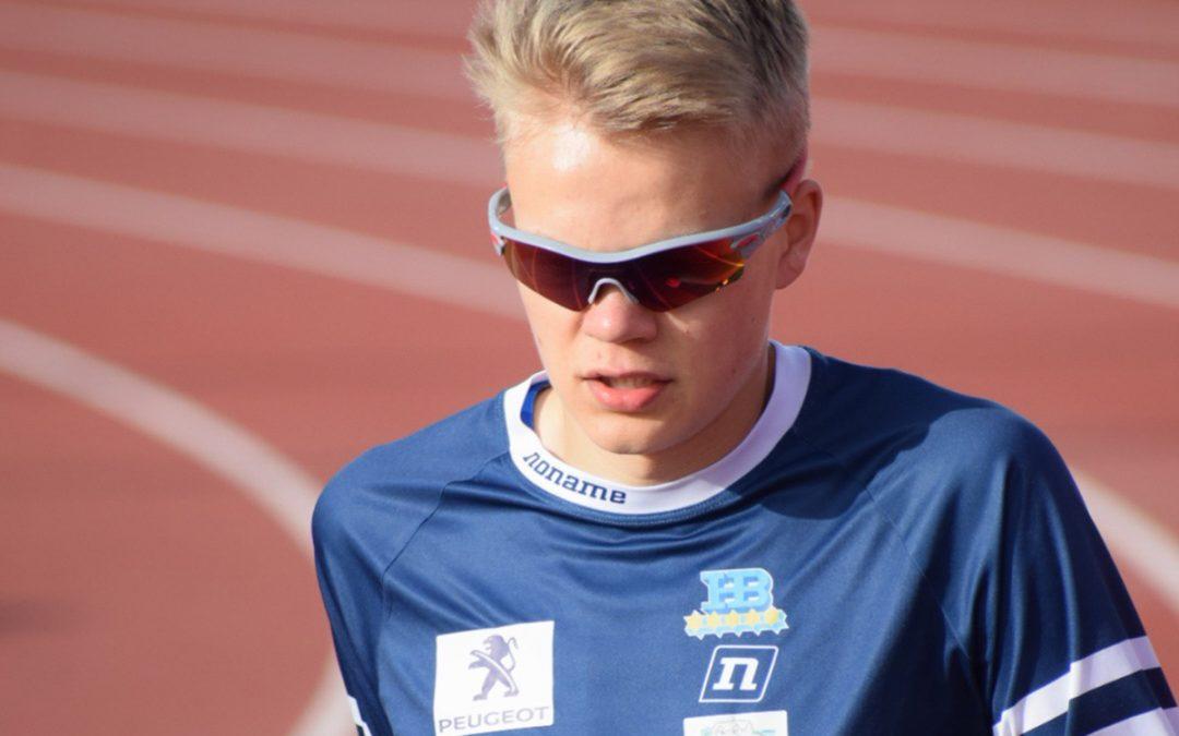 Eemil Helander juoksee 19-vuotiaiden EM-kisoissa Ruotsissa