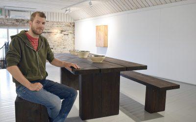 Lähipuu-huonekalut esillä Höyry-galleriassa    (Juttu vain tilaajille)