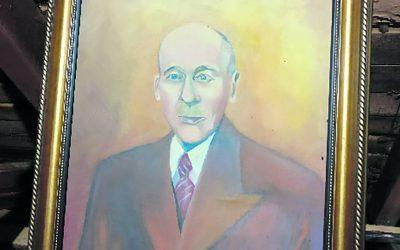 Pitkäaikaisen kunnallisvaikuttajan muotokuva kunnan kokoelmaan
